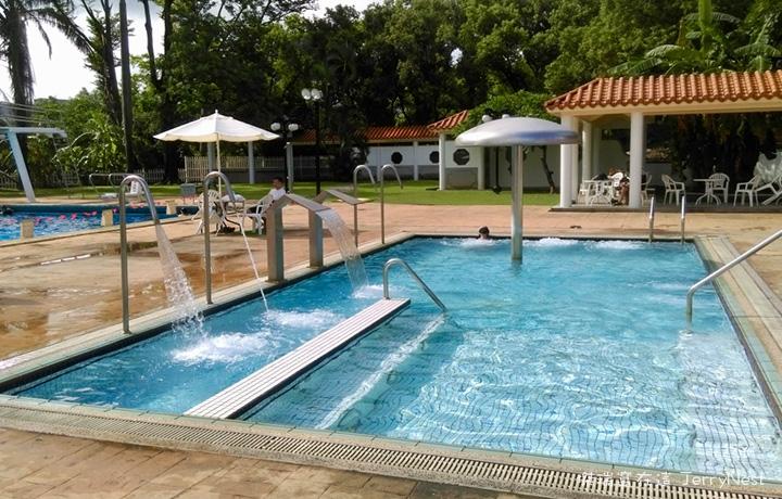grandpool10 - 南洋風光露天游泳池,五米深的初次體驗 @高雄圓山飯店
