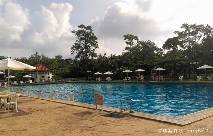 grandpool8 - 南洋風光露天游泳池,五米深的初次體驗 @高雄圓山飯店