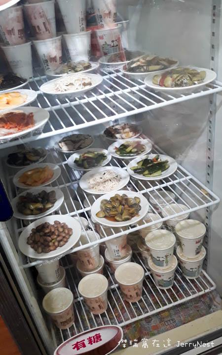 dumplings 5 - 台北大安|湯包可以這樣吃?上海邵師傅湯包居然有炸醬、臭豆腐還有爆醬起司口味