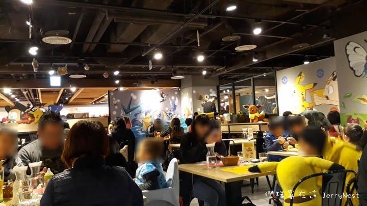pika 12 - 台北西門|寶可夢期間限定,身為皮卡丘粉當然要來朝聖啊!頑食概念誠品武昌店