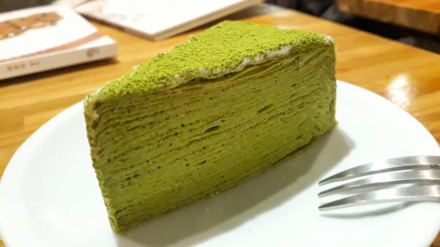 life 11 - 【台北。中正紀念堂】生活在他方 Elsewhere Cafe,滿屋子的繪本搭配抹茶千層蛋糕,就是要裝文青