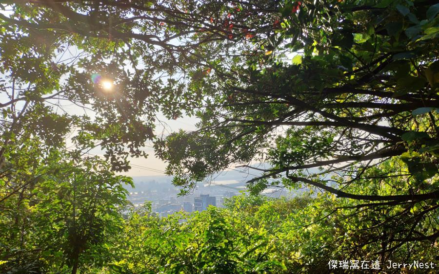 oldplace 11 - 台北劍潭|來老地方欣賞夕陽美景吧!劍潭山親山步道、老地方觀機平台、鵝肉川食堂