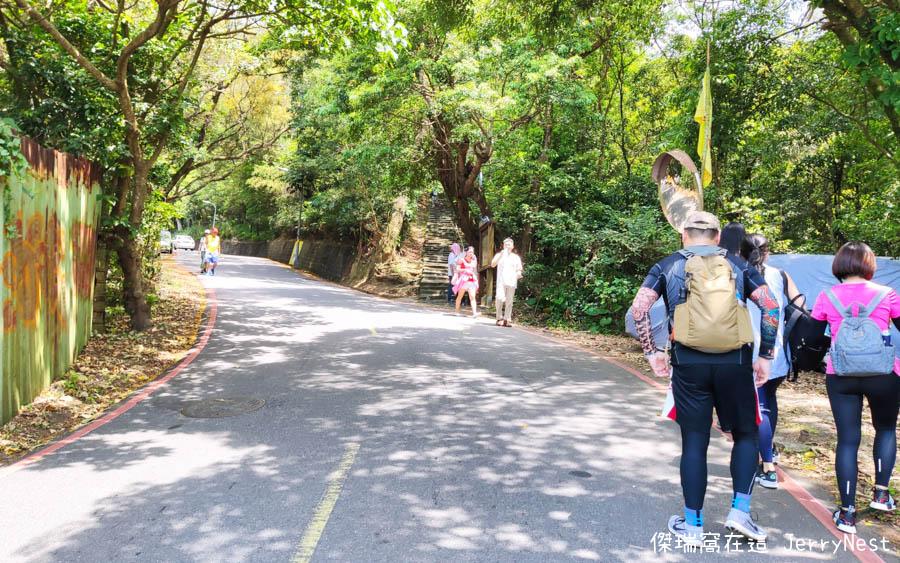 baishihu 3 - 台北內湖|碧山巖步道、白石湖吊橋、同心池、夫妻樹