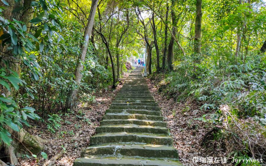 baishihu 6 - 台北內湖|碧山巖步道、白石湖吊橋、同心池、夫妻樹