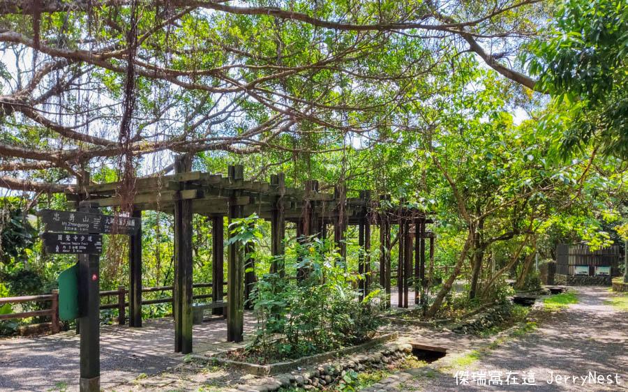 baishihu 7 - 台北內湖|碧山巖步道、白石湖吊橋、同心池、夫妻樹